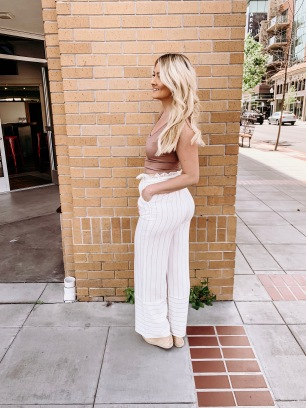 Crop top with linen high-waisted pants - Miyamo Boutique